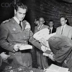 Mohammad Reza Pahlavi King Of Persia, Pahlavi Dynasty, The Shah Of Iran, Farah Diba, Persian Girls, King Of Kings, Revolution, Presidents, Glamour