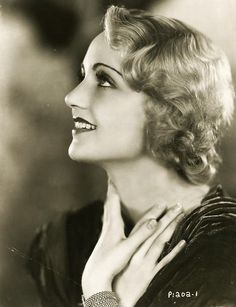 Carole Lombard - every pic i see of her she looks breathtaking.   c x