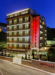 Ramada Bursa Cekirge Bursa Featuring free WiFi throughout the property, Ramada Bursa ?ekirge offers accommodation in Bursa. The hotel has a terrace and views of the mountain, and guests can enjoy a meal at the restaurant or a drink at the bar.