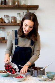 Picture Food, Deliciously Ella, Cooking Photos, Cooking Photography, Girl Cooking, Mets, Vegan, Food Styling, Healthy Lifestyle