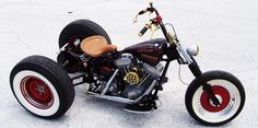 Santiago Chopper's custom softail trikes - THAT is cool!!