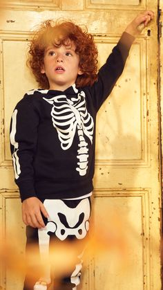 Hooded Sweatshirt and Joggers - Black skeleton - Kids  1c5f1d469963b