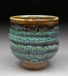 Ash Tenmoku - love the glaze effect.very reminisent of the canadian pottery glazes. Glazes For Pottery, Pottery Mugs, Pottery Bowls, Ceramic Pottery, Pottery Art, Japanese Ceramics, Japanese Pottery, Earthenware, Stoneware