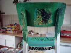der stuhl nimmt farbe an