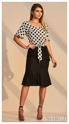 LOOKBOOK 6 – Cora Canela Classy Outfits, Trendy Outfits, Fashion Outfits, Blouse Styles, Blouse Designs, Formal Blouses, Moda Chic, Beautiful Blouses, Blouses For Women