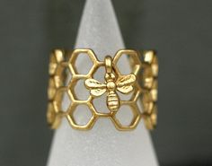 Honeycomb Ring with tiny bee. Antique golden enameled. Adjustable hexagon ring…