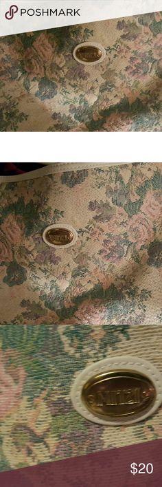 Mitzi floral purse Light color floral patter and white purse medium size mitzi Bags Shoulder Bags