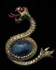 "Striking Vtg 2-1/2"" Gold Tone Rhinestone Jelly Belly Serpent Snake Brooch A61"