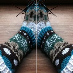 Riikka Was here: Muitaihania talvisukat Knitting Socks, Fashion, Knit Socks, Moda, Fashion Styles, Fashion Illustrations