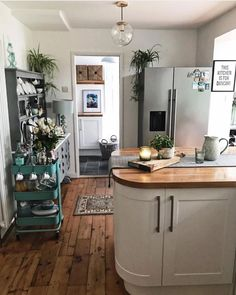 Kitchen Decor, Kitchen Design, Kitchen Views, Design Moderne, Cuisines Design, Updated Kitchen, Interior Design Living Room, Interior Livingroom, Design Bedroom