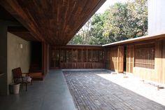 Courtyard - with sun!