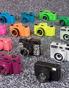 i love cameras, photos :* my life Digital Art Photography, Photography Camera, Photography Tips, Old Cameras, Vintage Cameras, Hipster Camera, Camera Shy, Cardboard Camera, Photos