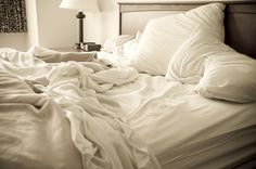 Should you make your bed? Willie Geist doesn't — and some scientists agree In a complete reversal of what we learned less than a month ago, apparently it's OK not to make your bed at all. Make Your Bed, How To Make, Unmade Bed, Messy Bed, Divorce Papers, Cozy Bed, Dust Mites, Good Night Sleep, Bedding