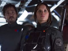 Rogue One Review: It's Like Someone Made 2016 Into a Star Wars Movie (16 Dec 2016)