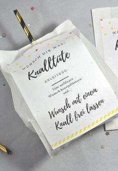 Knalltüte DIY-Idee für die Silvesterparty – little. Perfect DIY for the New Year's party: the firecracker is easy Stampin Up, Ideias Diy, Wine Bottle Crafts, Free Prints, Party Bags, New Years Eve Party, Diy Hacks, Little Red, Diy Party