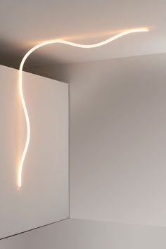 Silicone wall lamp / ceiling lamp LA LINEA By Artemide design BIG - Bjarke Ingels Group Lighting System, Lighting Solutions, Lighting Design, Neon Flexible, Blitz Design, Applique, Luminaire Design, Design Furniture, Furniture Nyc