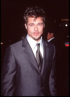Brad Pitt is 51 today! It's hard to believe, but it's been nearly 30 years since Brad arrived in Hollywood as a fresh-faced youngster from Missouri. Angelina Jolie, Brad And Angelina, Most Beautiful Man, Gorgeous Men, Beautiful People, Jennifer Aniston, Brad Pitt Hair, Fashion Models, Style Fashion