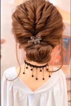 Bun Hairstyles For Long Hair, Long Curly Hair, Hairstyle Ideas, Easy Wedding Hairstyles, Curly Hair Baby, Running Late Hairstyles, Roman Hairstyles, Easy Toddler Hairstyles, Cool Easy Hairstyles