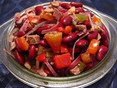 Salad with beans, pepper, tomato and carrot