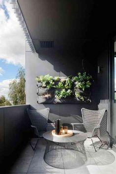 décoration de balcon moderne en gris foncé