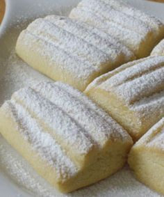 Kurabiyesi -- Turkish shortbread 250 ml unsalted butter, room temperature 1/2 cup powdered sugar 1 tsp vanilla extract or powder 2 cups flour 1/2 tsp baking powder