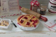 Cynthia's Cottage Design: <3 pie!