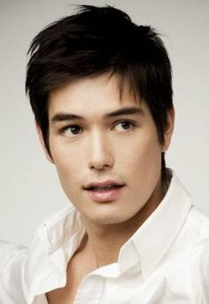 Ricky Lee Neely (Ricky Kim 리키 김) An American actor from Kansas, Ricky Kim has moved into the Korean entertainment industry, as well. He plays a Russian in the Kdrama, Athena, which I think is pretty funny. He looked great, though.