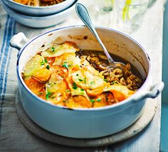 Spiced Lentil and Mushroom Hotpot - This healthy potato-topped bake is low in fat and calories with high in fibers. This vegan winter warmer any family will love it. Vegan Recipes Videos, Bbc Good Food Recipes, Vegan Recipes Easy, Vegetarian Recipes, Dinner Recipes, Cooking Recipes, Dinner Dishes, Dinner Ideas, Lentil Recipes