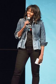 First Lady Michelle Obama at College Signing Day in Philadelphia Michelle Obama Quotes, Michelle Und Barack Obama, Michelle Obama Fashion, Fashion Looks, Beauty And Fashion, Love Fashion, Fashion Outfits, Celebrity Casual Outfits, Celebrity Look