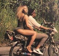 Image uploaded by Jayne Reed. Find images and videos about beyoncé, mrs carter and queen bey on We Heart It - the app to get lost in what you love. Beyonce 2013, Beyonce Knowles Carter, Beyonce And Jay Z, Rihanna, Divas, King B, Mahal Kita, Hip Hop, Queen