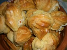 Our sister-in-law is from Trinidad and she cooks a mean curry. But I have fallen in love with one dish – Chicken puffs. I admit as an child I loved profiteroles – but as I can't eat cream I us… Carribean Food, Caribbean Recipes, Tamarindo, Puerto Rico, Trinidadian Recipes, Guyanese Recipes, Chicken Puffs, Chicken Patties, Trini Food