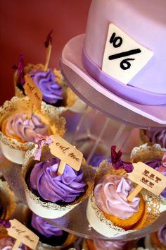 Alice & Wonderland wedding cupcakes/cake topper