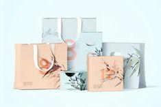 Ознакомьтесь с этим проектом @Behance: «Box and Bag Scene Creator Mockup» https://www.behance.net/gallery/61809051/Box-and-Bag-Scene-Creator-Mockup
