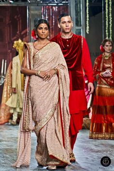 Tarun Tahiliani #Couture Collection 2016 - #Indian #Designer #Brand #Fashion #IndianCouple #Couple #Coupling #Saree #Bride #Groom #BridalWear