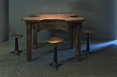 Jewellers Table with Singer chairs @ funcfurniture.de