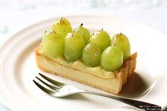 muscat grape cheese tart