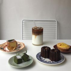 Cozy Cafe, Aesthetic Food, Aesthetic Grunge, Cafe Food, Dessert Recipes, Desserts, Something Sweet, Sweet Recipes, Food Porn