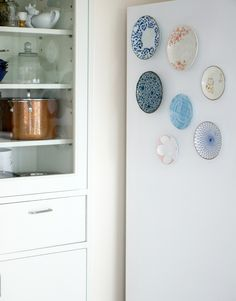 Plate Magnets {diy} A great way to deocrate those exposed white fridges. Perfect for renters! - Up to Date Interiors