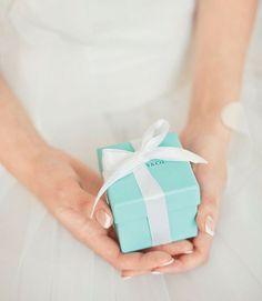 unique box for wedding made in tiffany color