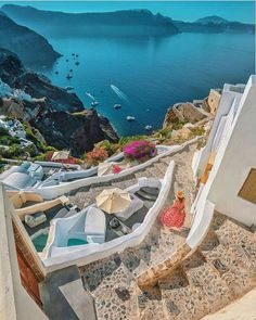 What are the Best Hotels in Santorini? How to get to Santorini? Vacation Places, Vacation Destinations, Dream Vacations, Vacation Spots, Places To Travel, Places To Visit, Beautiful World, Beautiful Places, Travel Around The World
