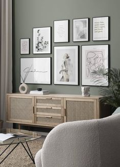 Gallery Wall Ideas: 10 Looks that are Easy to Implement - TLC Interiors Living Room Designs, Living Room Decor, Sage Living Room, Inspiration Wand, Hanging Art, Picture Wall, Wall Prints, Interior Design, Wall Ideas