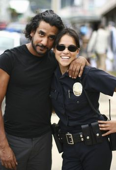 On the set of LOST (Michelle Rodriguez rocks... I loved her in Aliens)