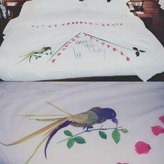 Anantara Dhigu bird Maldives, Bedtime, How To Memorize Things, Bird, Pillows, Creative, Artwork, Flowers, Color