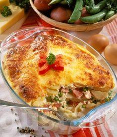 Túrós-zöldborsós rakott krumpli Hungarian Recipes, Cheddar, Lasagna, Quiche, Casserole, Breakfast, Ethnic Recipes, Foods, Morning Coffee