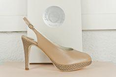 #PeepToe #leather #python #beige #moda #madeinspain #zapatos #peeptoes #fashion #piel #piton #madrid #shopping #online #eshop BUY//COMPRAR: www.jorgelarranaga.com/es/home/364-409.html
