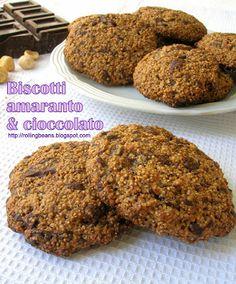 Ricette vegane vegan recipes Biscotti amaranto e cioccolato  Fino ad oggi non avevo mai preparato dei biscotti vegani perché ero convinta che senza uova, burro e latte non potesse venire fuori niente di buono. E invece.... #ricette #amaranto #biscotti