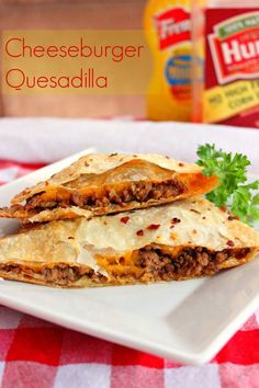 Cheeseburger Quesadillas/tasted like a sloppy joe, definitely kiddy friendly, served mine with a quinoa salad. Big hit with Bertie, the quesadilla that is, not the salad! My Recipes, Mexican Food Recipes, Beef Recipes, Cooking Recipes, Favorite Recipes, Mexican Dinners, Recipies, Cheap Recipes, Seafood Recipes
