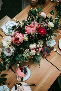 Party table garden centerpiece ideas 35 New ideas Wedding Table Decorations, Table Centerpieces, Wedding Centerpieces, Wedding Bouquets, Centerpiece Ideas, Floral Wedding, Wedding Flowers, Casual Wedding, Trendy Wedding