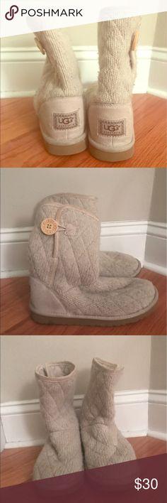 Beige sheepskin UGG boots Beige sheepskin UGG boots UGG Shoes Winter & Rain Boots