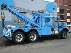 Holmes 750 Twin-Boom Mechanical <> The only advantage mechanical vs. hydraulic is ! <> Old Schoolin' had twice as much winch cable :o Show Trucks, Big Rig Trucks, Trucks For Sale, Old Trucks, Towing And Recovery, Truck Repair, Heavy Duty Trucks, Old Tractors, Abandoned Cars